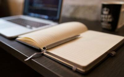 Stå op, mens du arbejder – Hvorfor du bør vælge hæve/sænkebord